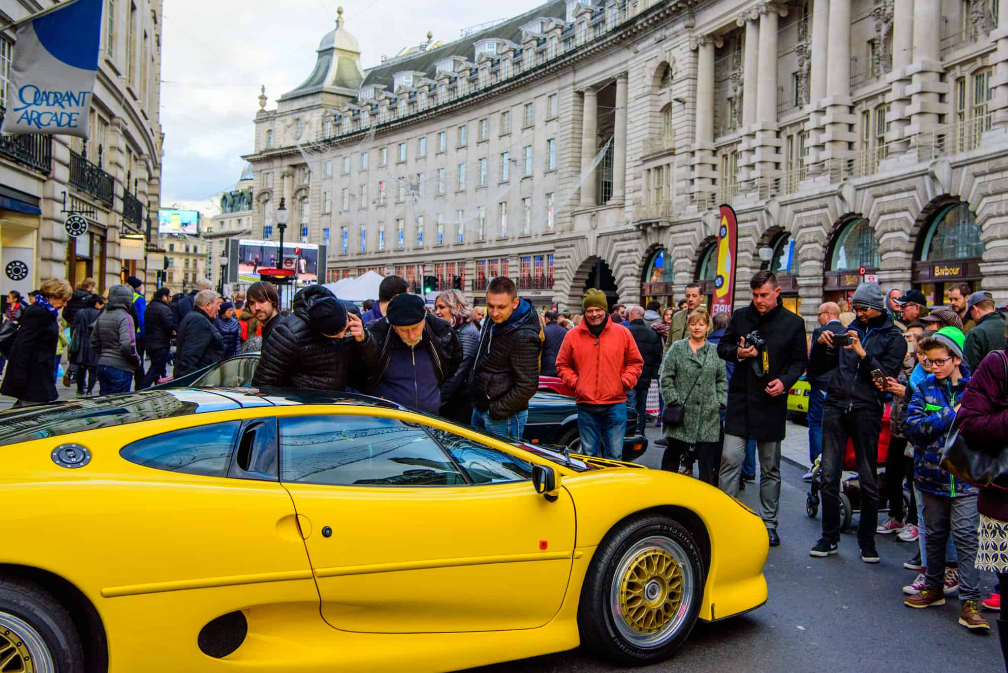Car Clubs Ensure London S Free To View Motor Show Is A Classic