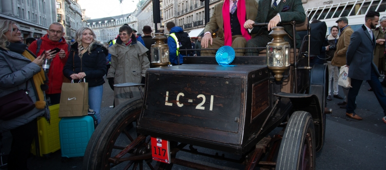 New Record Attendance Relishes Motor Show on Regent Street